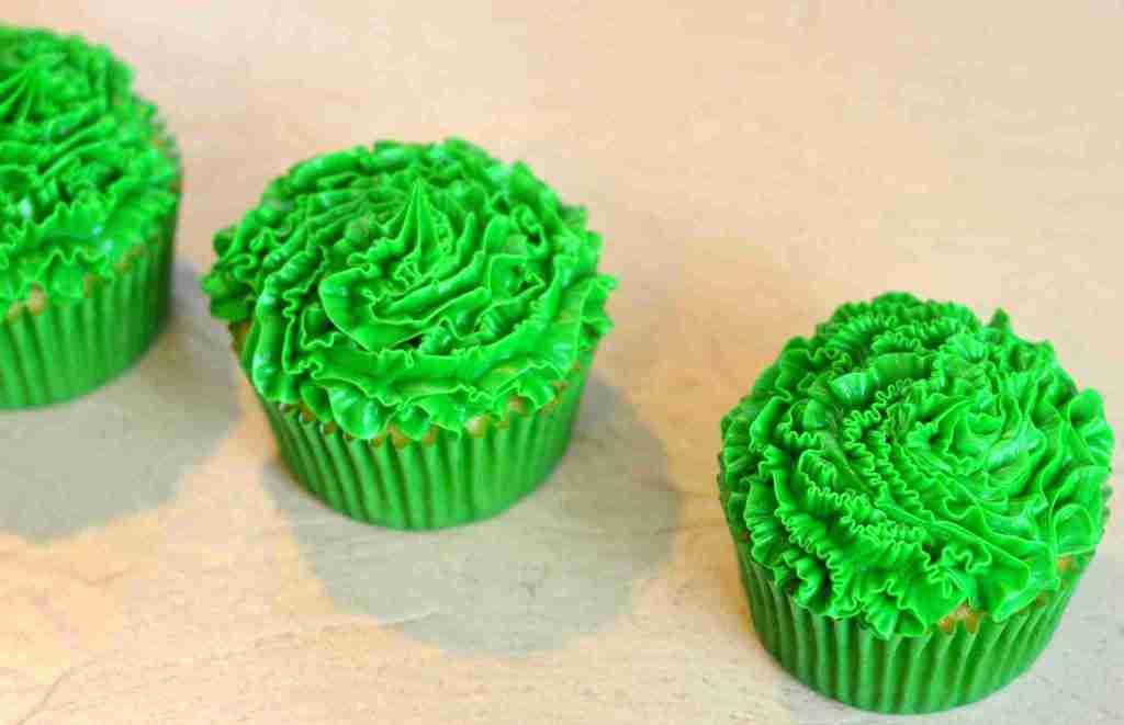Thor Inspired Cupcake Tutorial: Thor Ragnarok Opens November 3rd